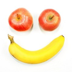 Apples and bananas are linked to different experiences and thoughts for everyone.  Image: http://www.ireallylikefood.com/708661250/do-you-like-to-eat-eat-eat-apples-or-bananas/