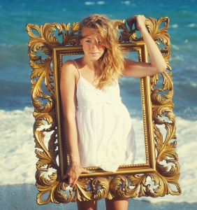 girl-in-frame